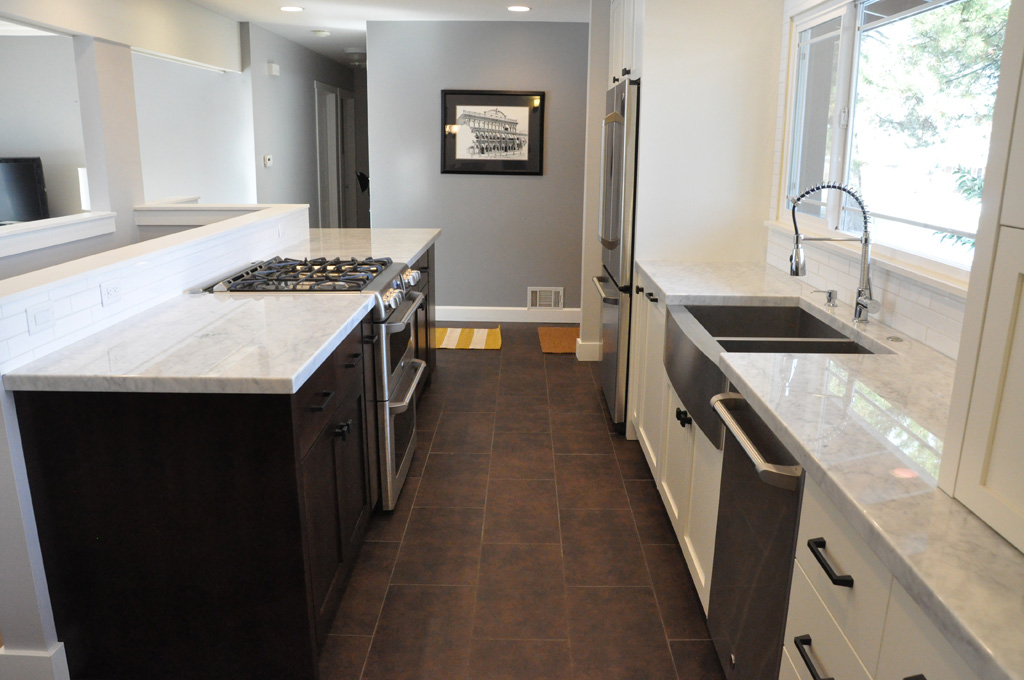 Contrasting Cabinetry